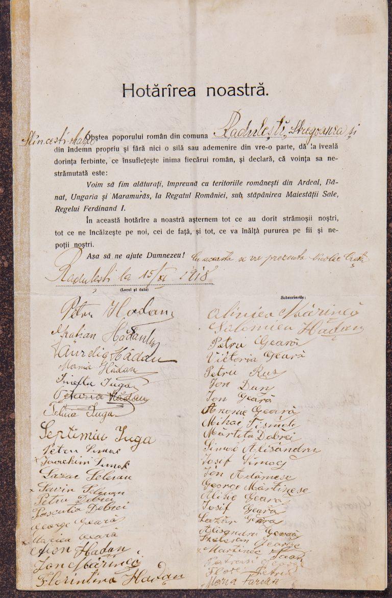 Credenționale prin care reprezentanții unor asociații culturale, profesionale sau localități au fost delegați la Alba Iulia să voteze Unirea cu România